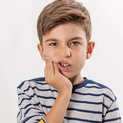 Little boy with toothache